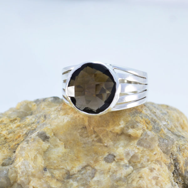 925 Silver Brown Smokey Quartz Genuine Gems Ring Home d/écor Great Seller Gift for Good Friday Oval Cut Genuine Gems Round cabochon Smokey Quartz Ring
